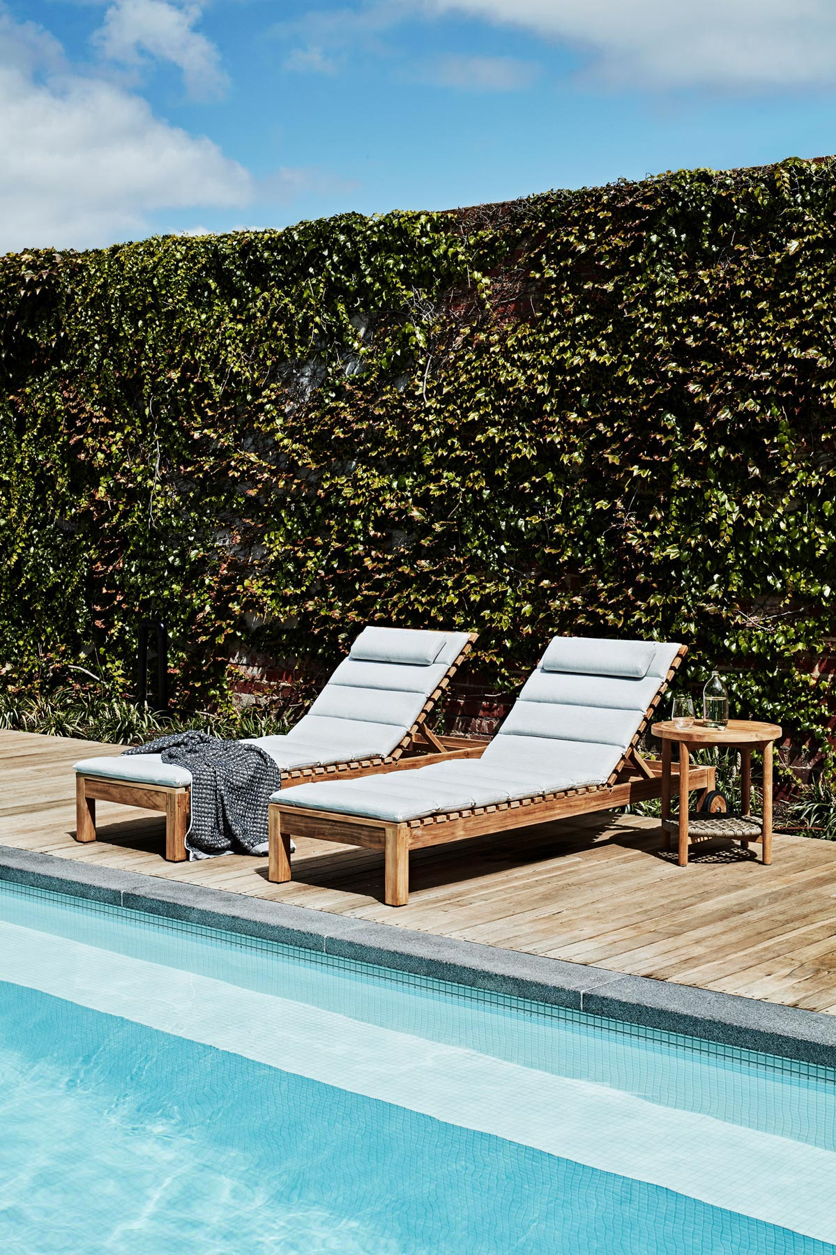 Blog In-article-images choose-your-outdoor-furniture-04