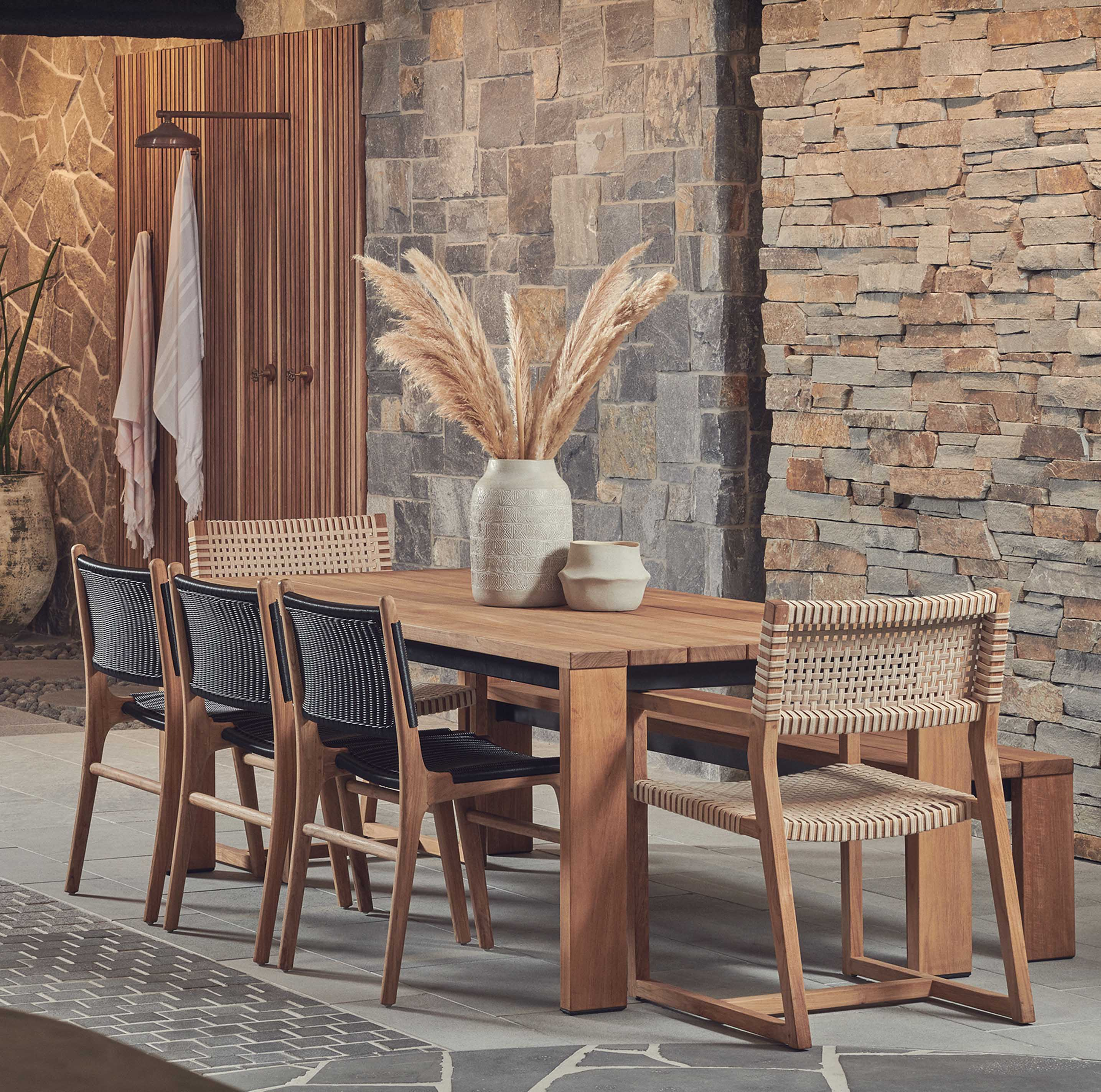 Blog hero-article-images benefits-of-teak-furniture-and-care-tips