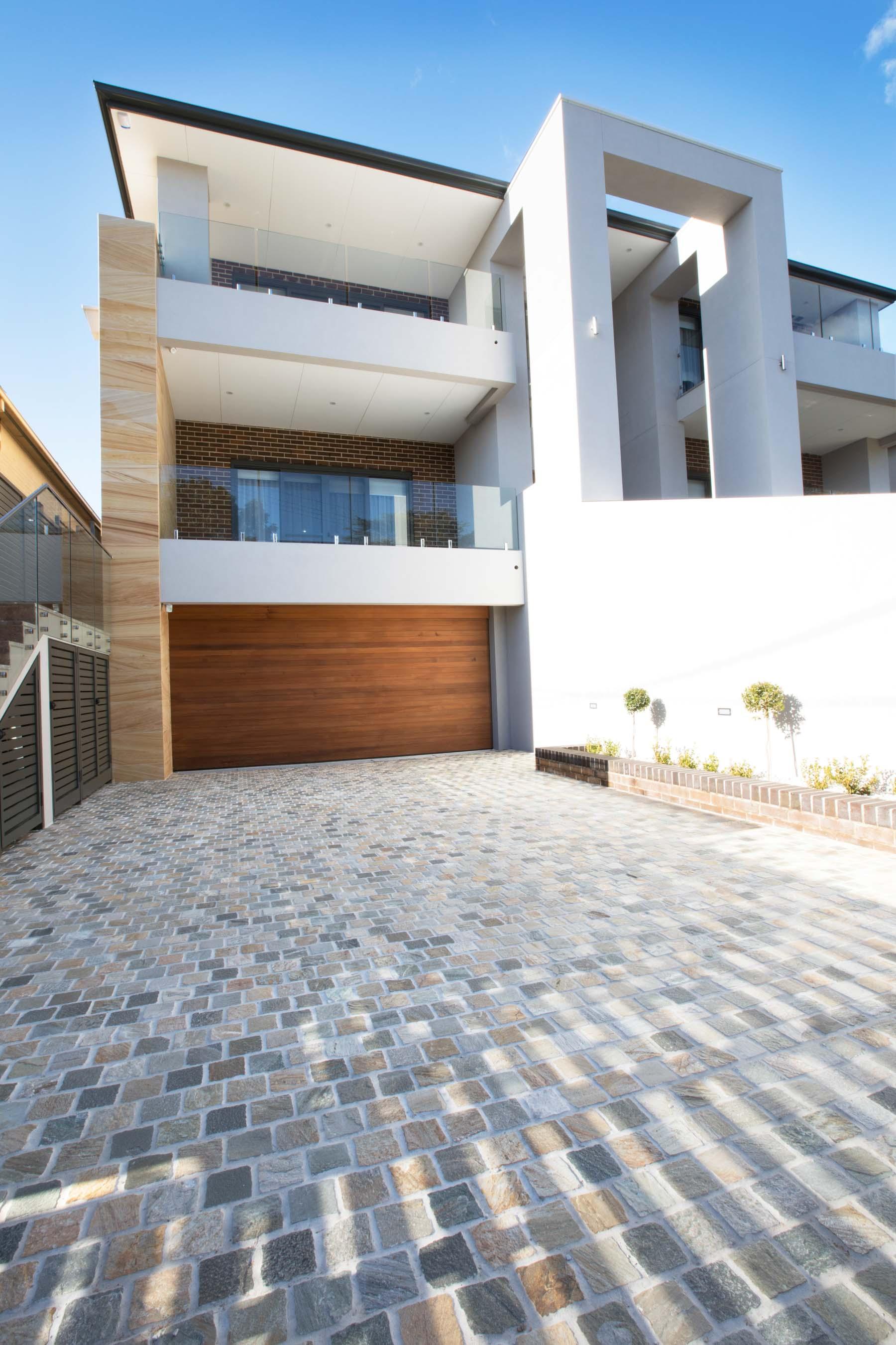 Cobblestones Gallery heritage-quartz-cobblestones-on-mesh-04