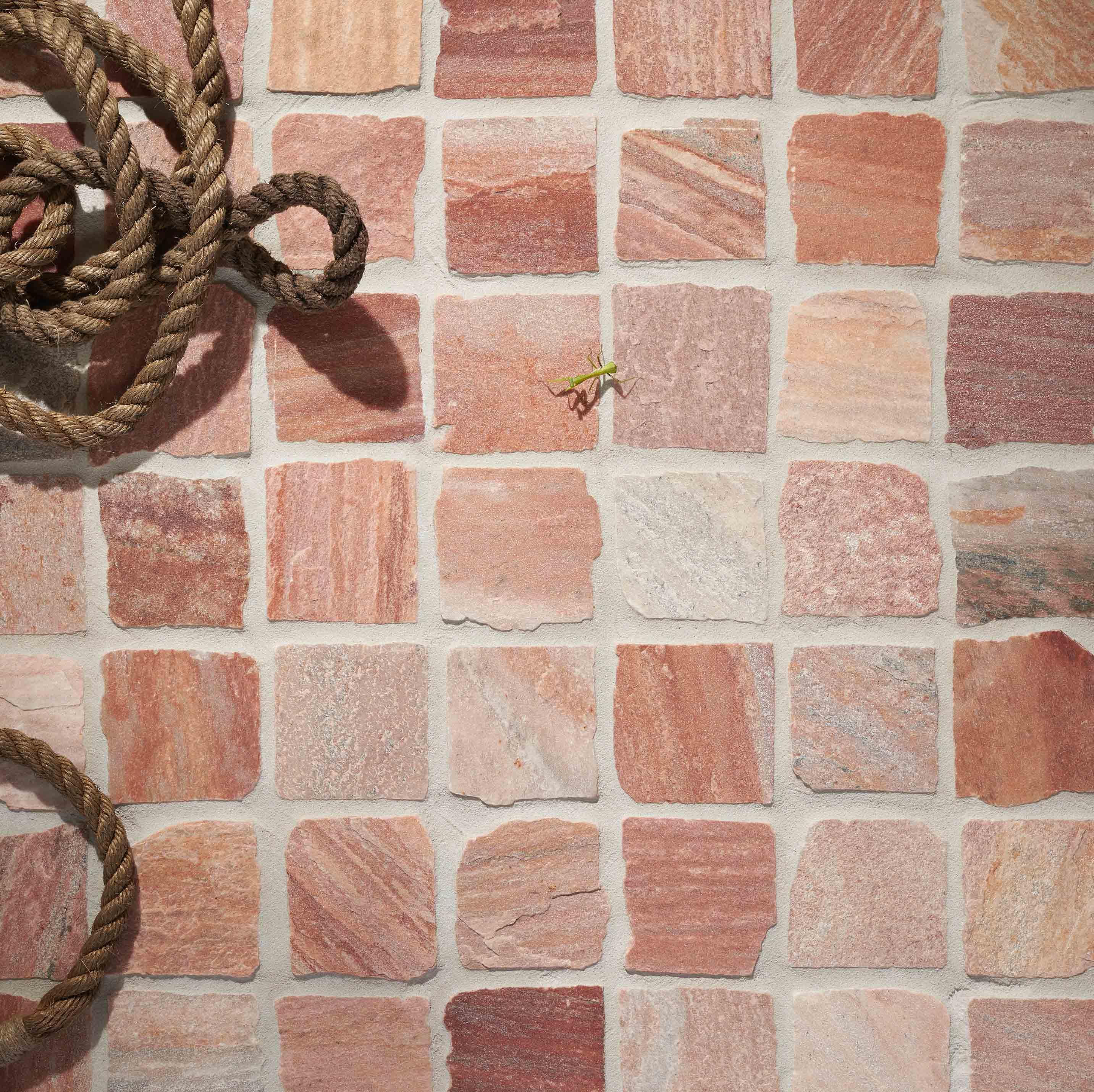 Cobblestones Hero acero-quartz-split-loose-cobblestones