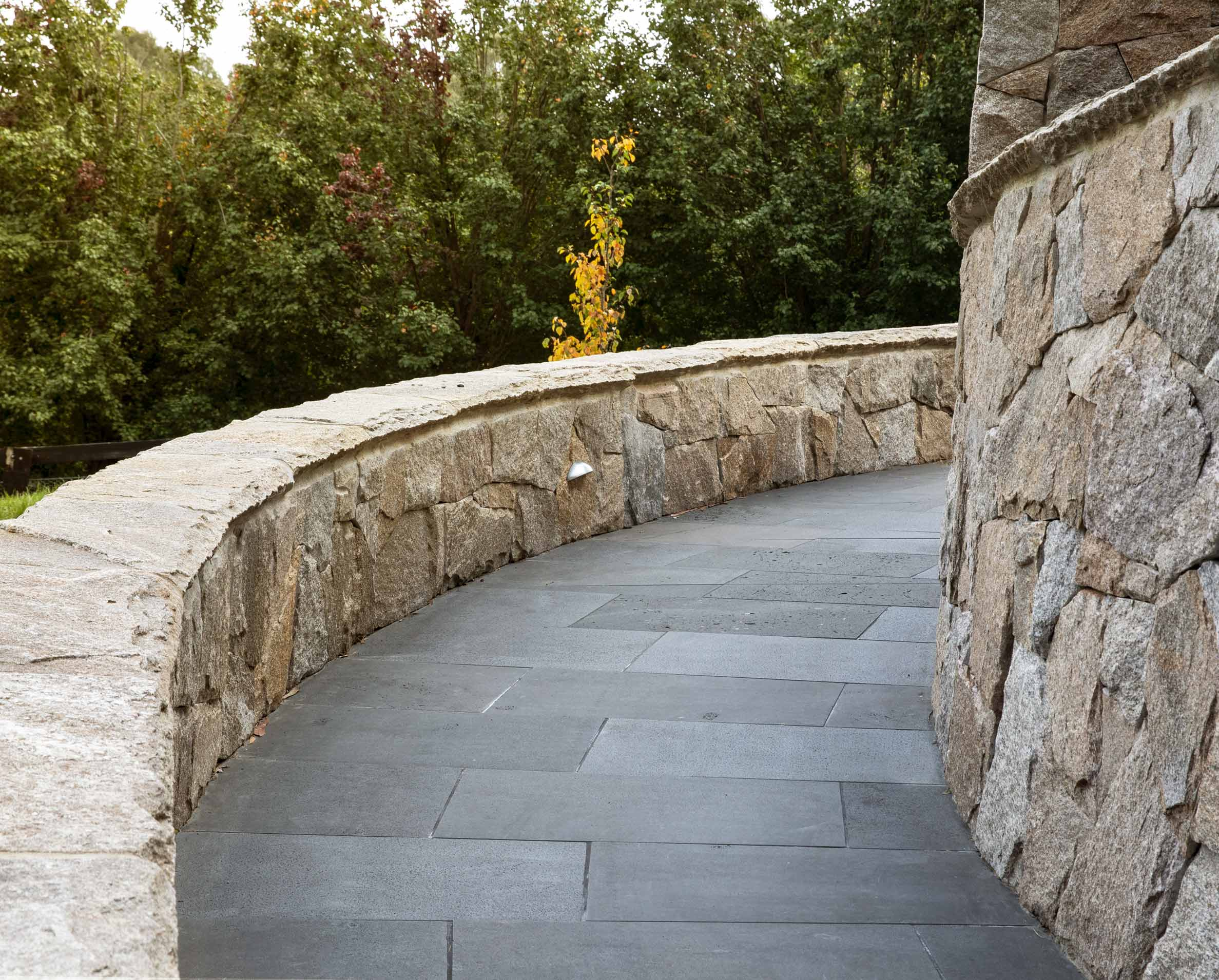 Products-Floor natural-stone-bluestone-pavers-and-tiles