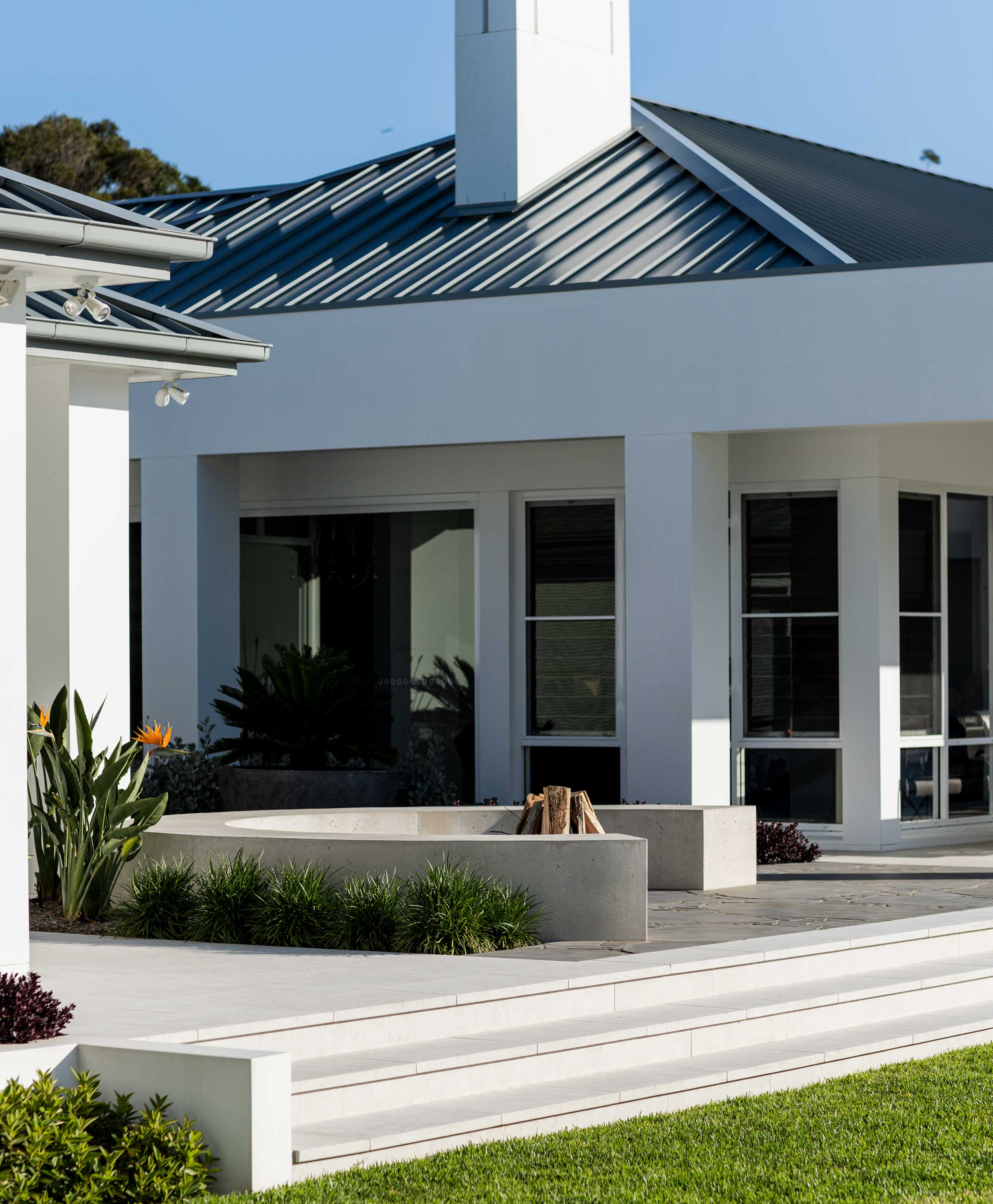 Products-Floor stone-pavers-and-tiles-outdoor-hero