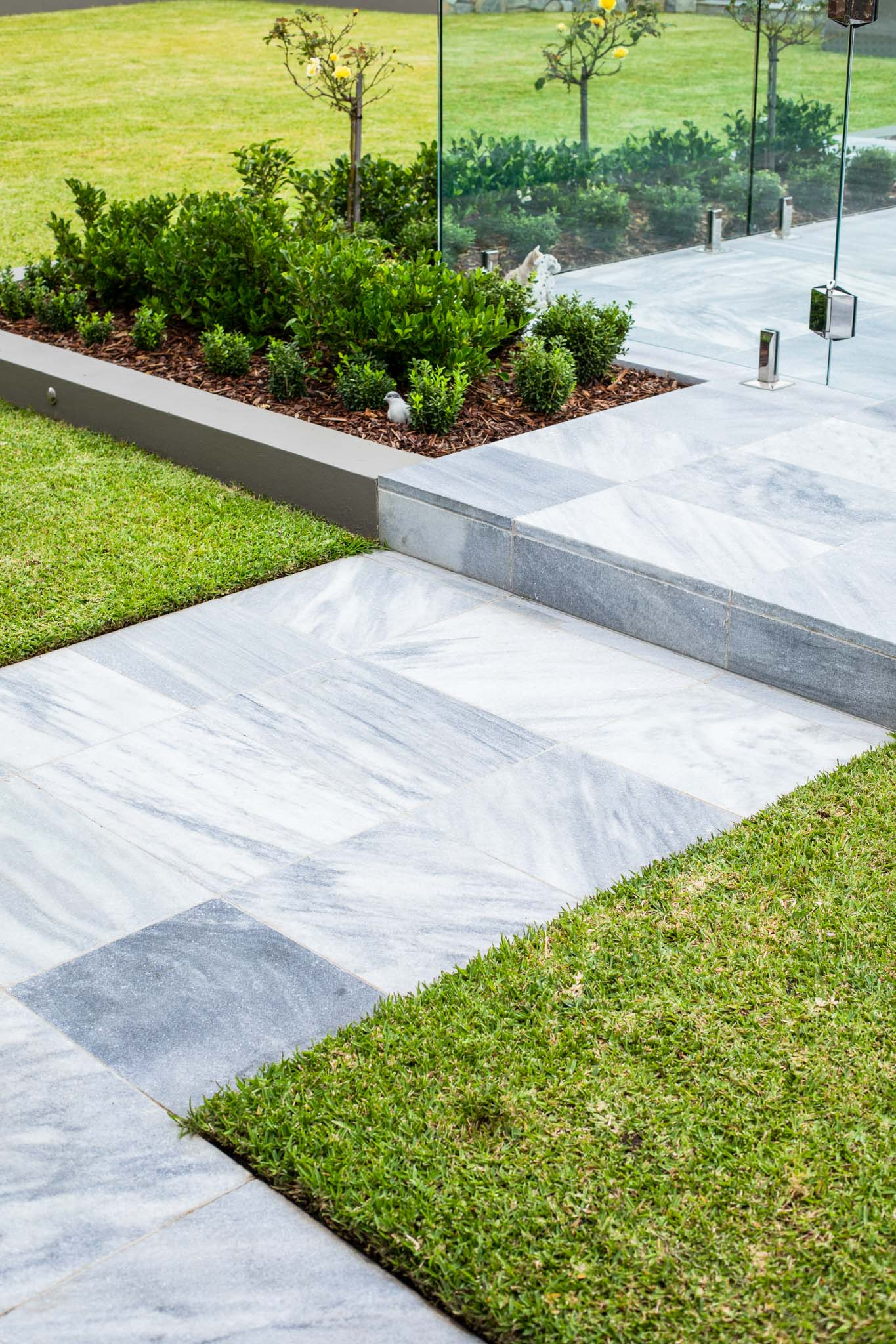 Stone-Pavers-and-Tiles-Outdoor Gallery argento-01