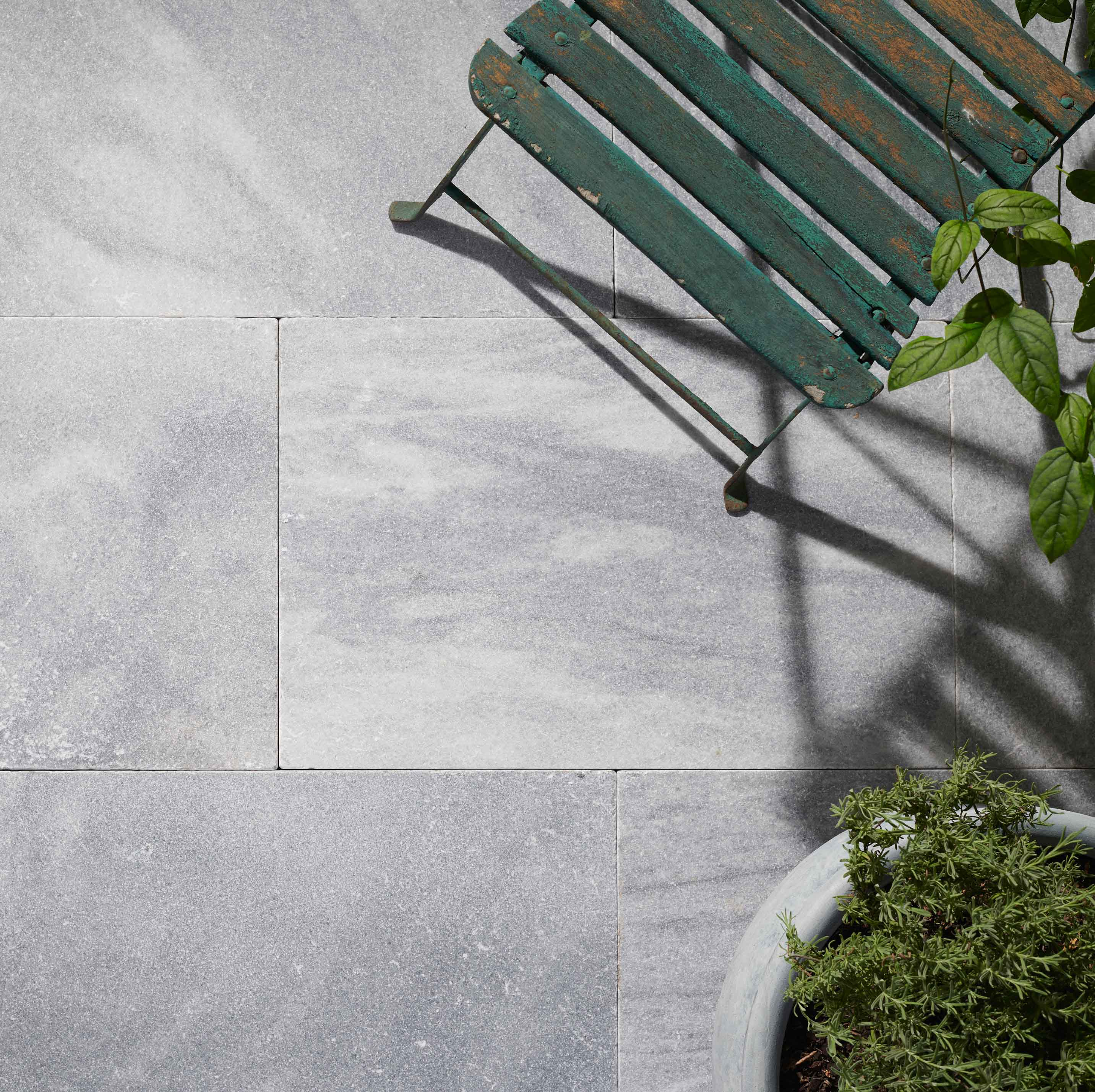 Stone-Pavers-and-Tiles-Outdoor Hero argento