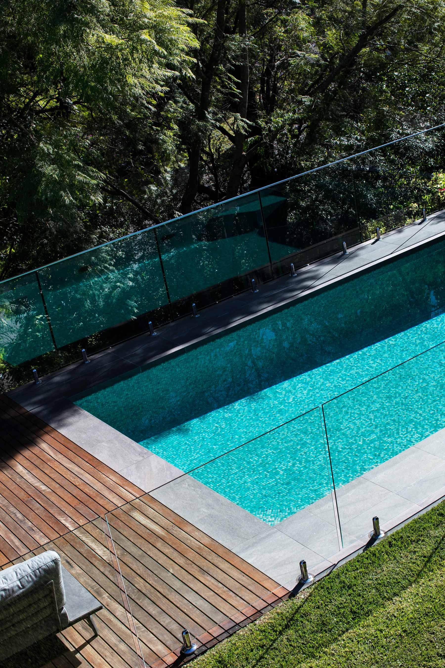 Pool-Tiles Gallery Australian lagoon-03