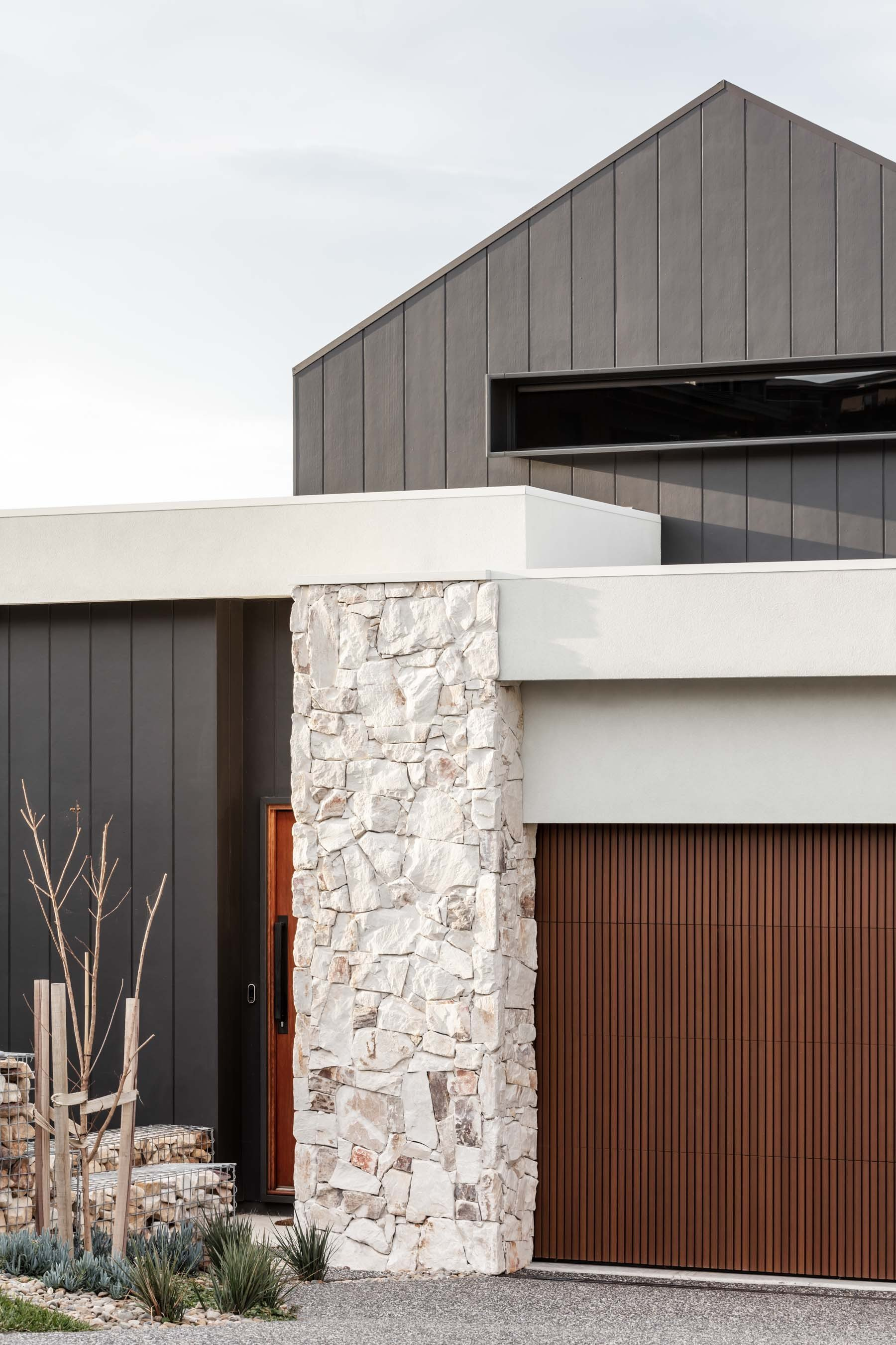 Wall-Cladding-and-Stacked-Stones Gallery callala-01