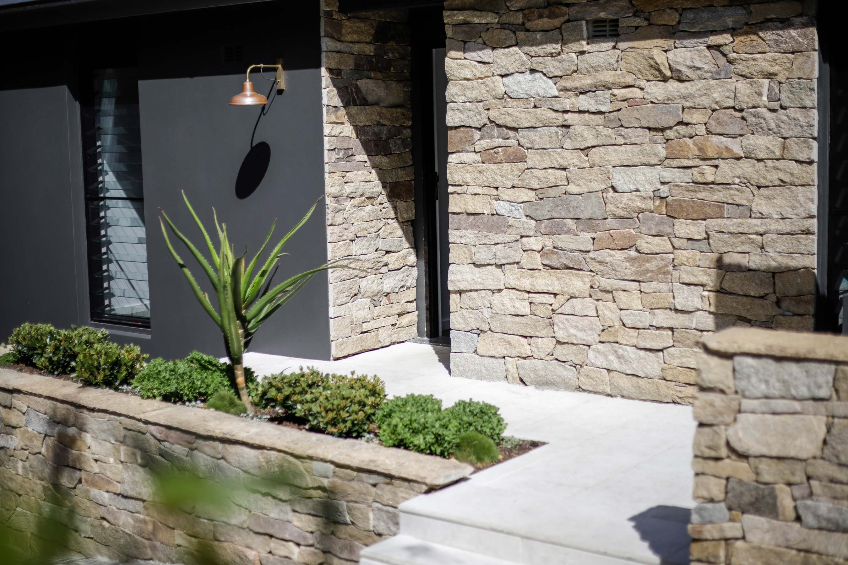 Wall-Cladding-and-Stacked-Stones Gallery estate-04