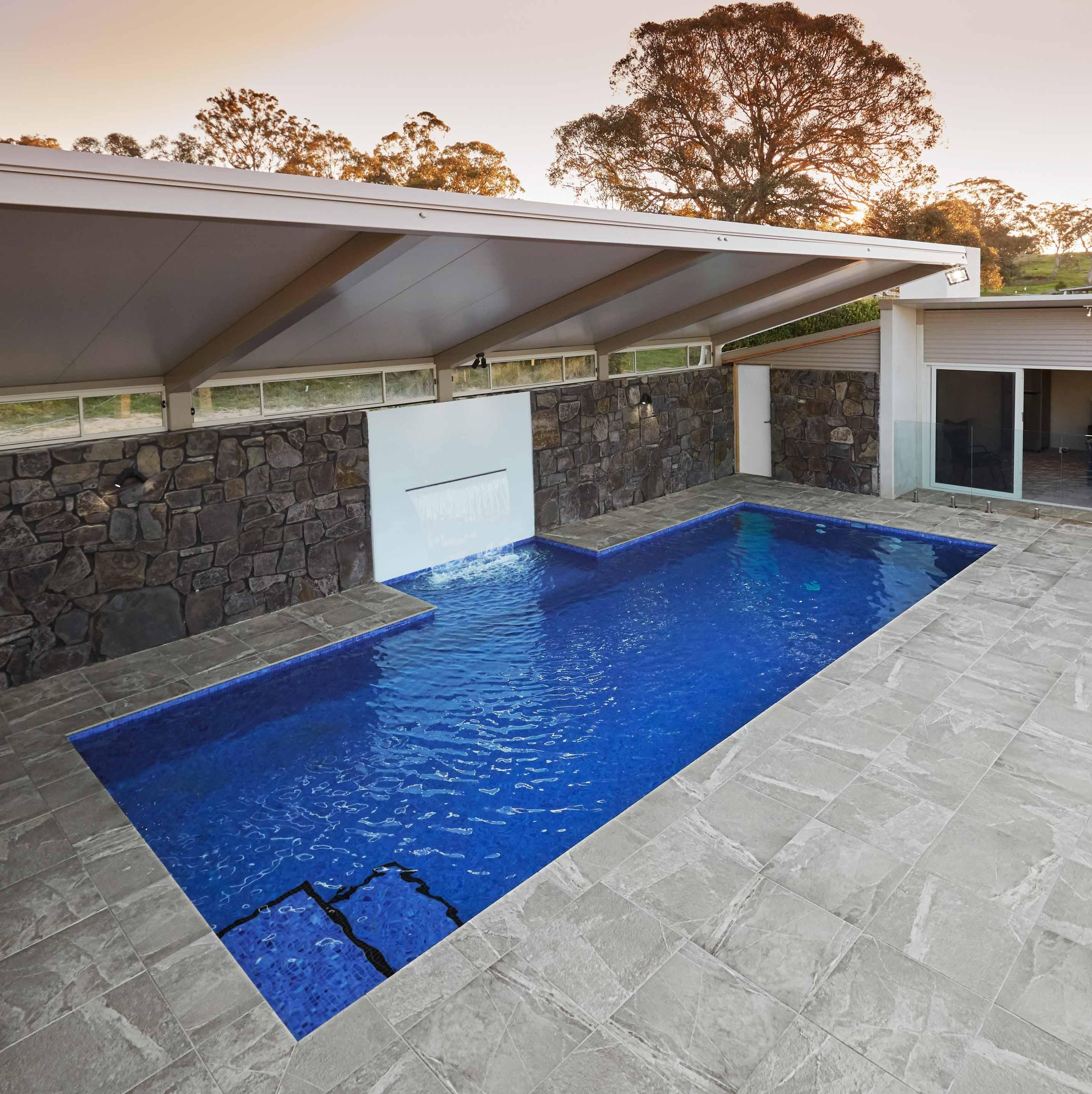 Pool-Tiles Hero Hisbalit Jonico