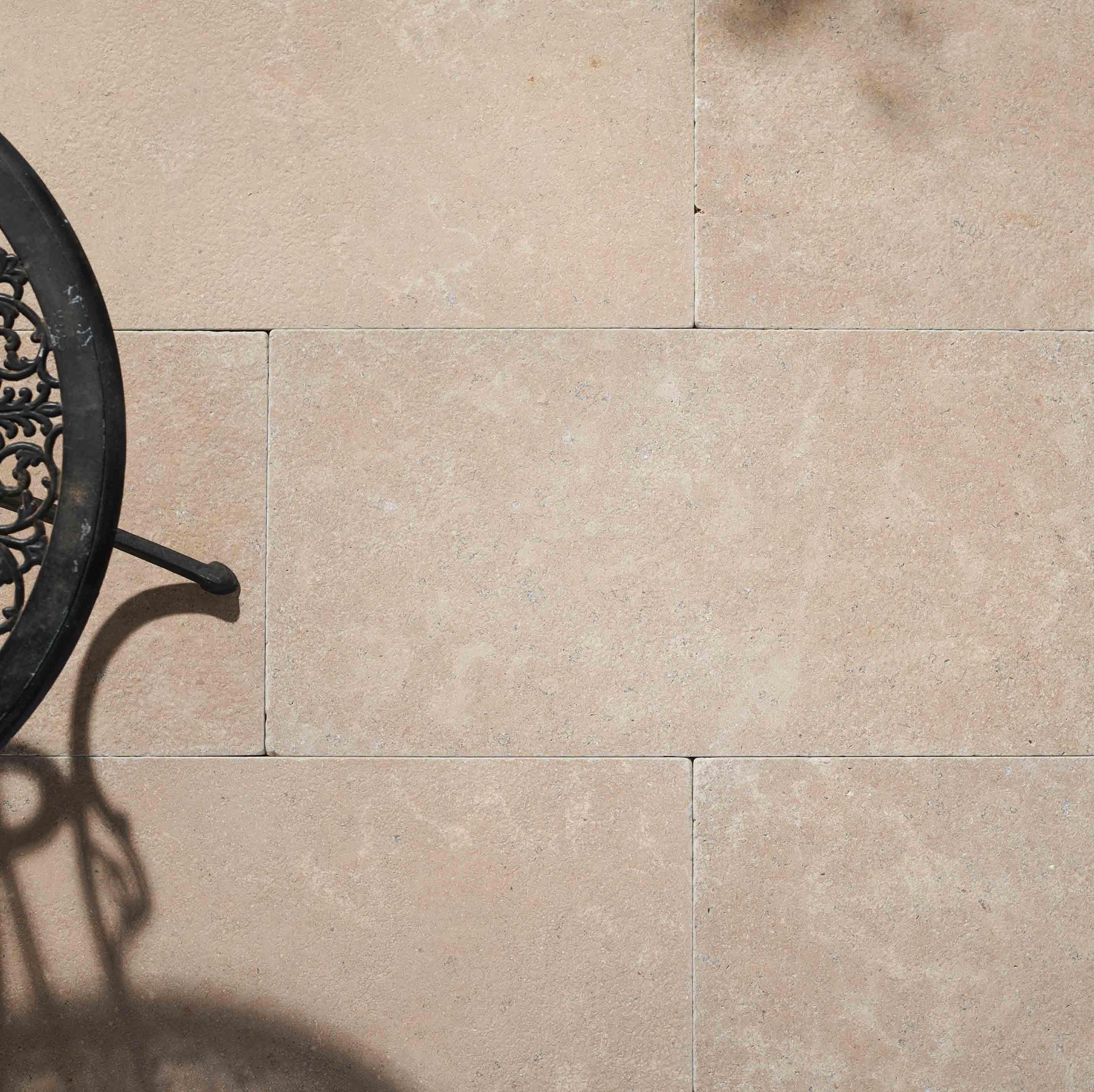 Stone-Pavers-and-Tiles-Outdoor Hero kahvi