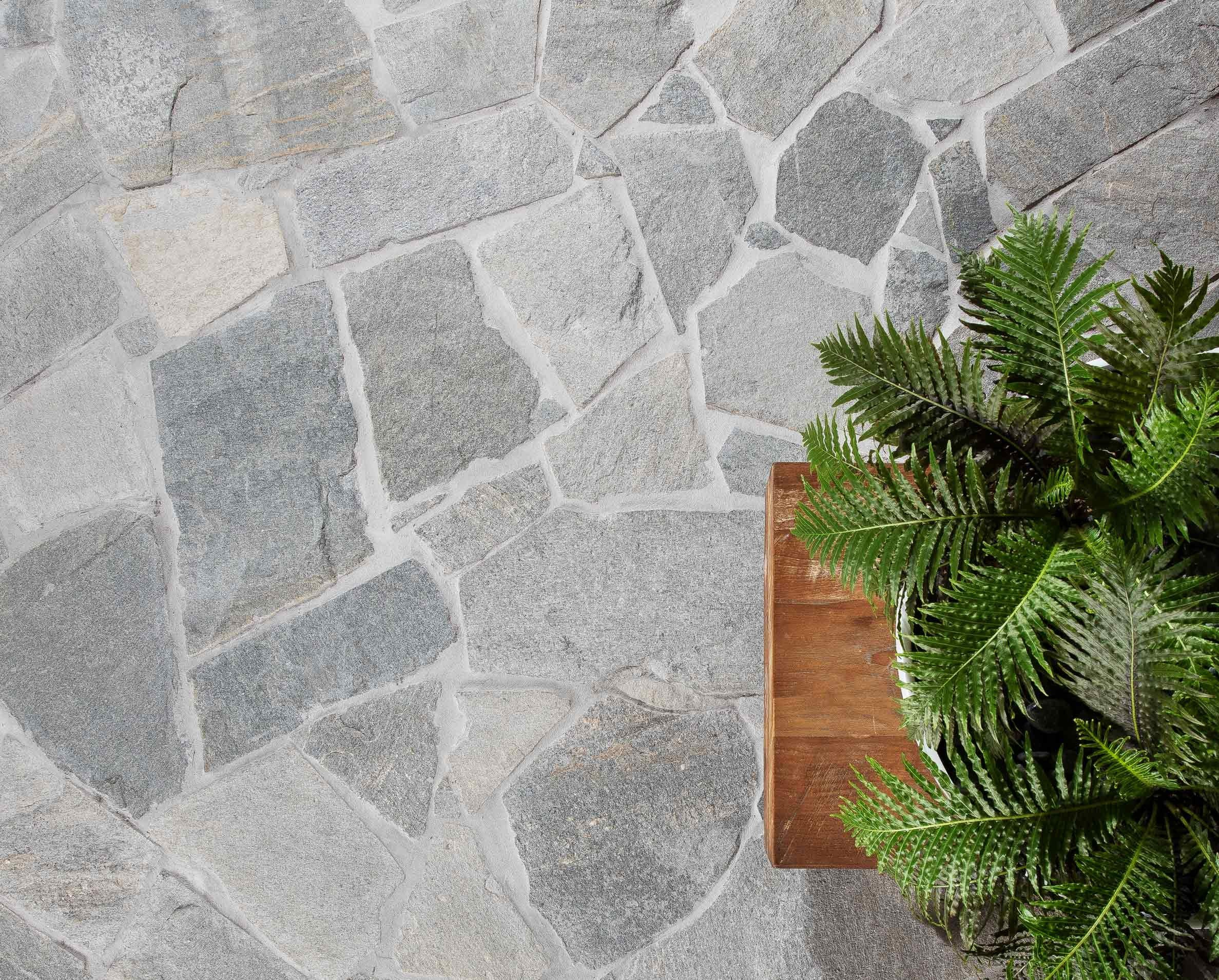 Products-Floor stone-crazy-paving-hero