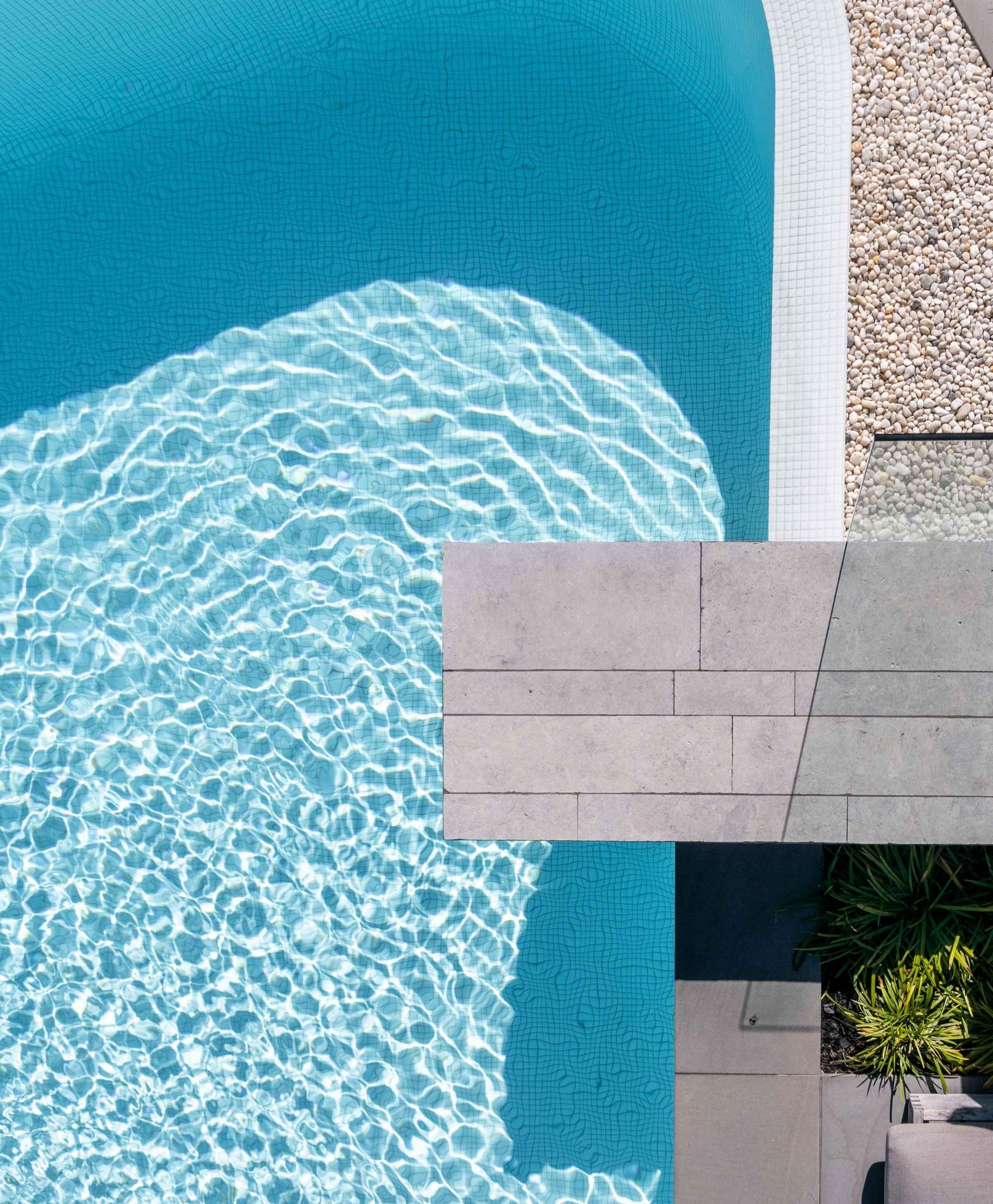 Products-Pool hisbalit-spanish-pool-tiles-unicolour-range-hero