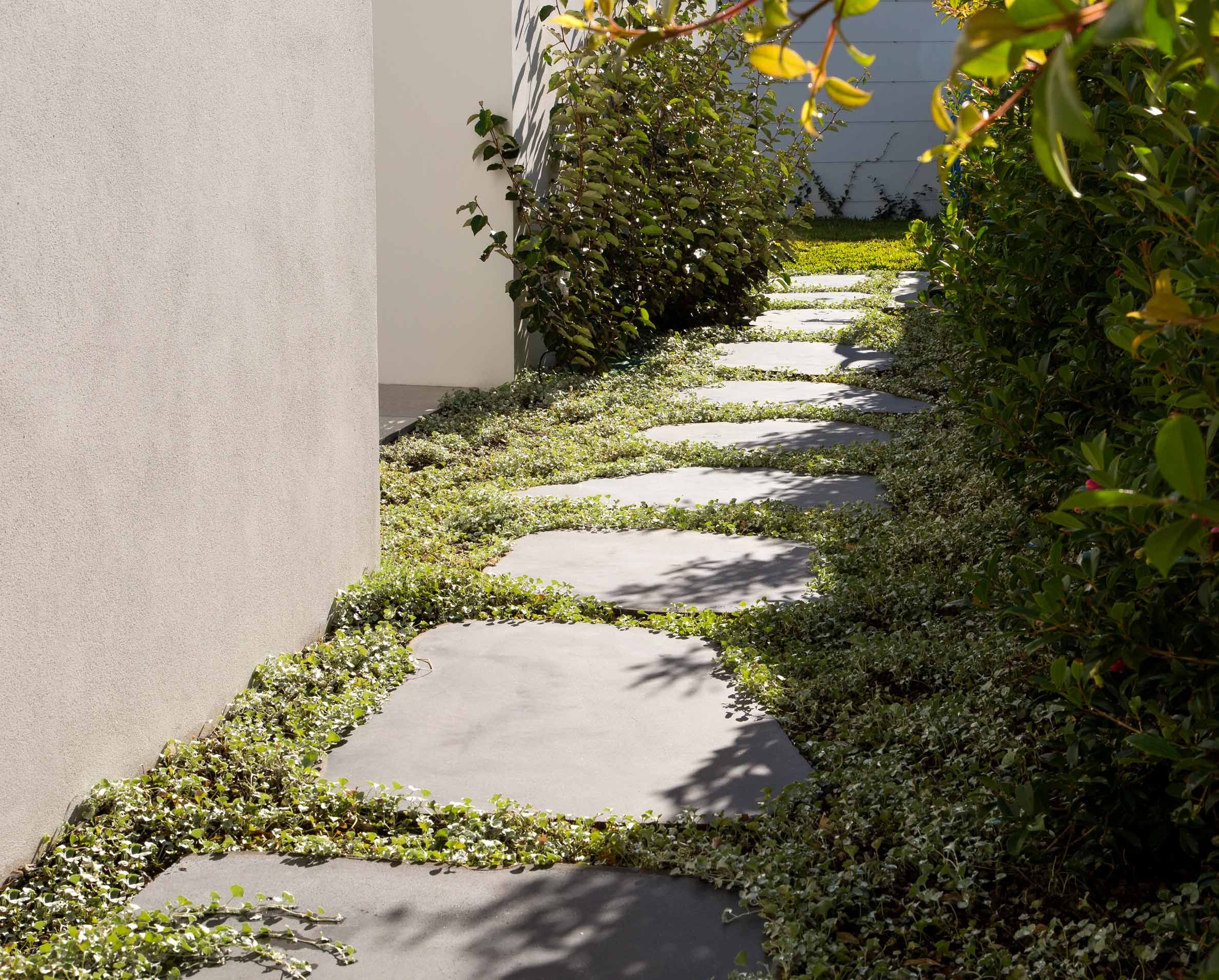 Products-Floor stepping-stones-organic-and-circular