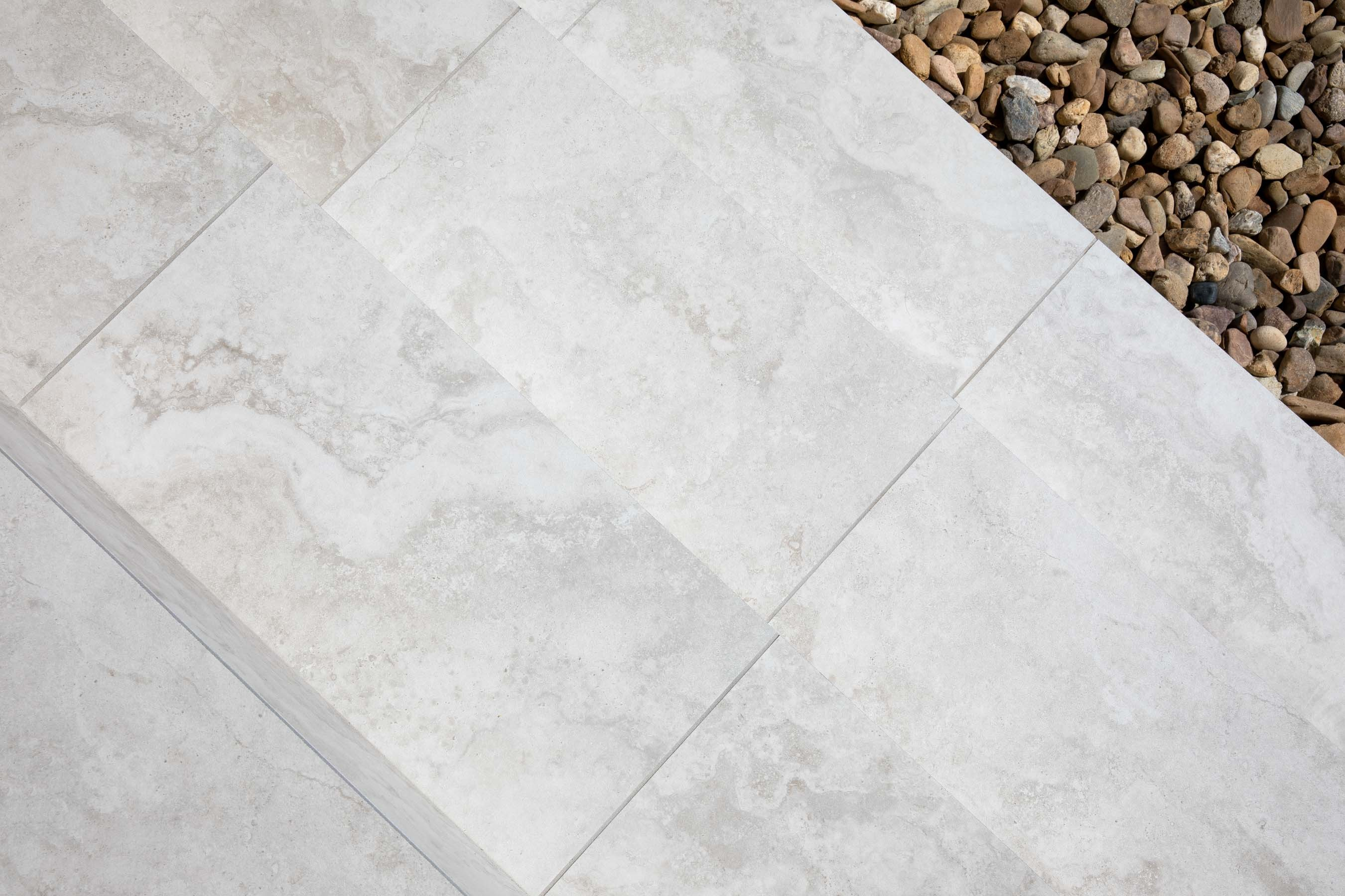 Porcelain-Pavers-Outdoor-20 Gallery silver-travertine-01