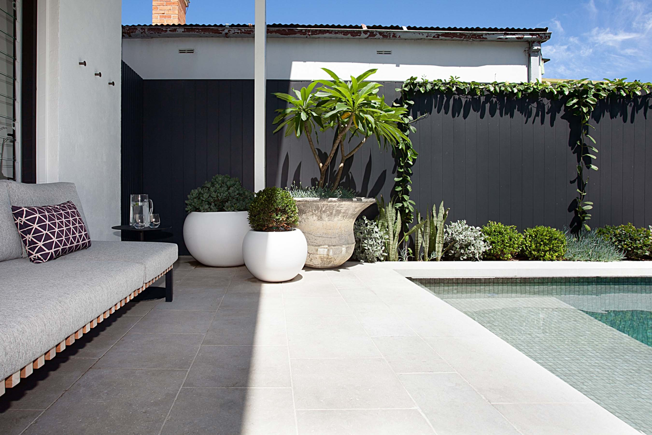 Stone-Pavers-and-Tiles-Outdoor Gallery olive-02