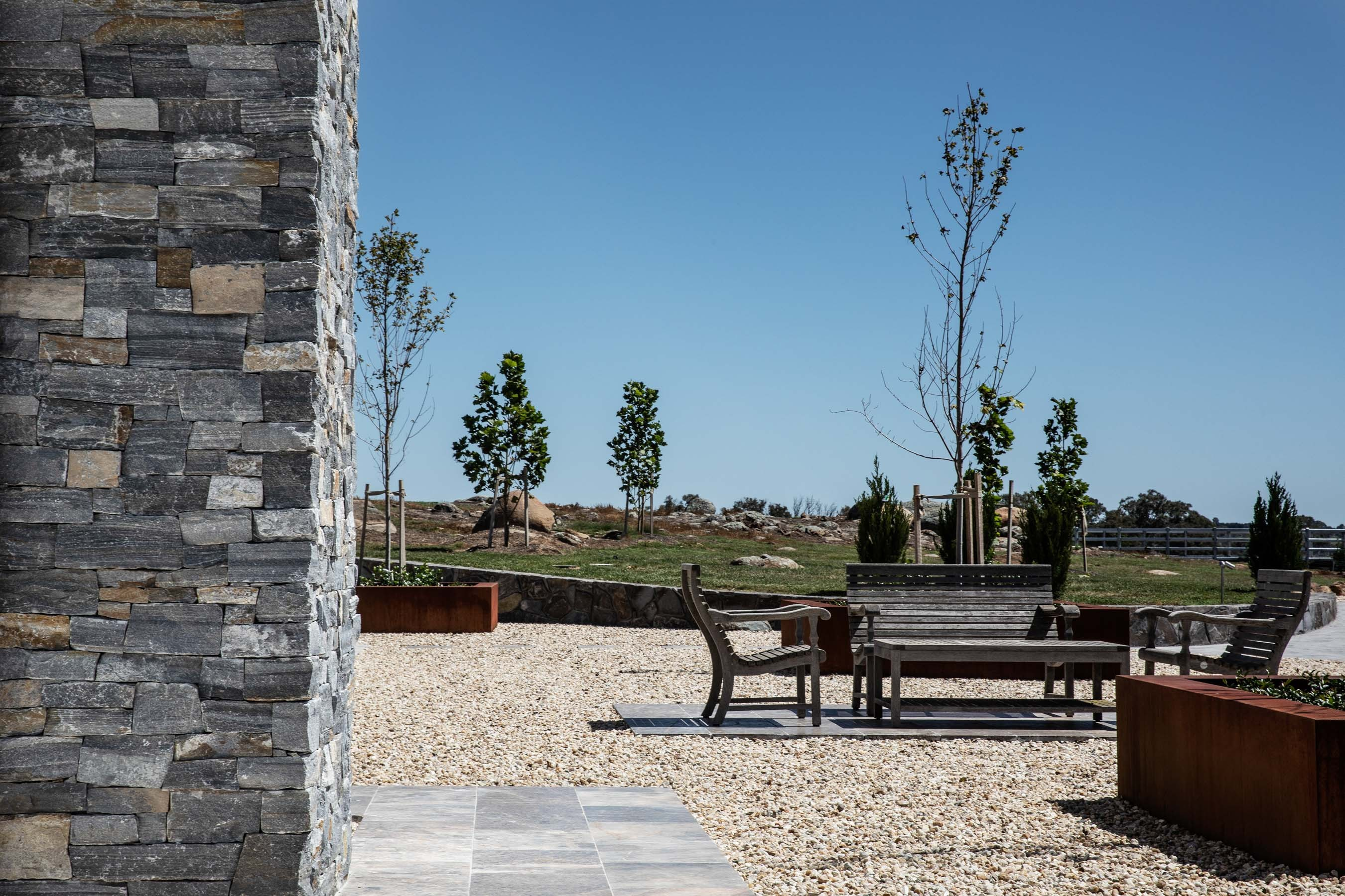 Wall-Cladding-and-Stacked-Stones Gallery pinnacle-02