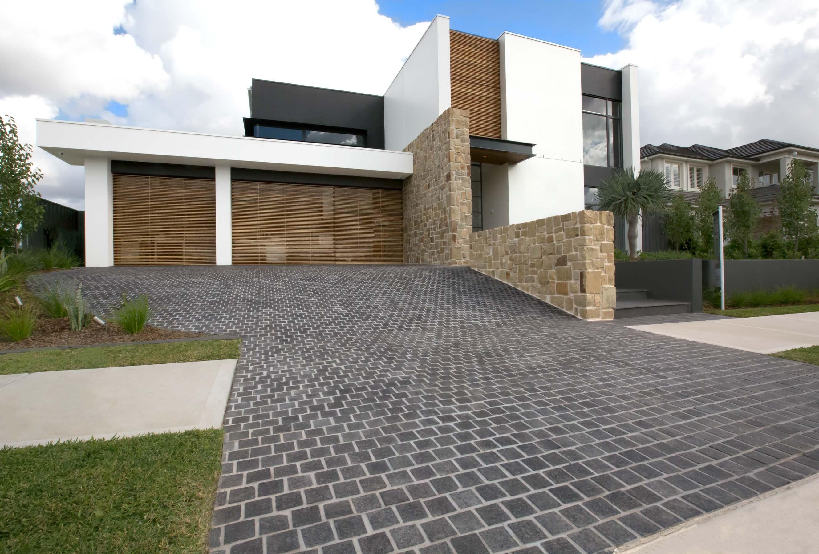Cobblestones Gallery raven-granite-cobblestones-on-mesh-01