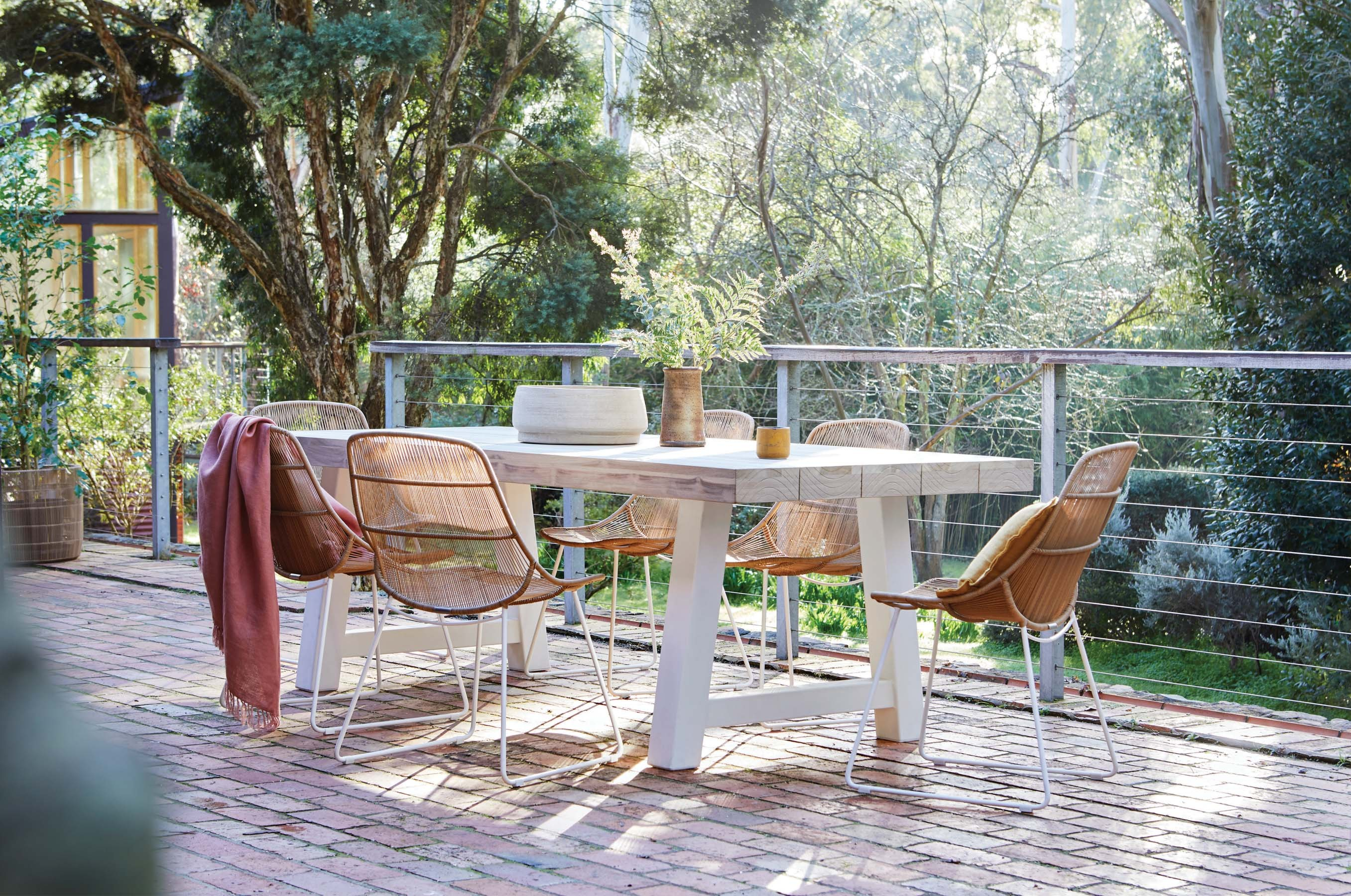 Furniture Gallery Dining-Tables granada-beach-dining-table-02