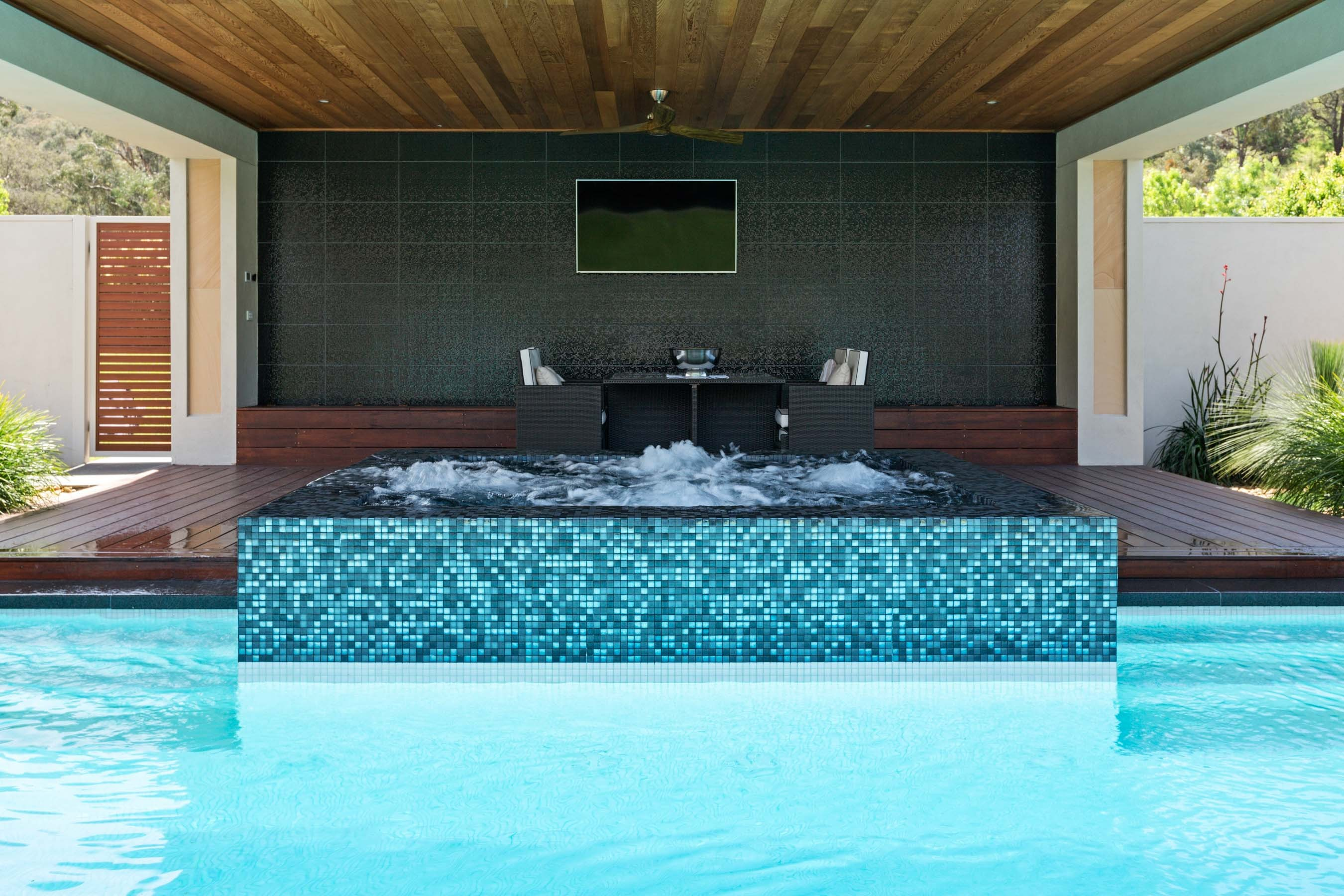 Pool-Tiles Gallery Luxe eclipse-02