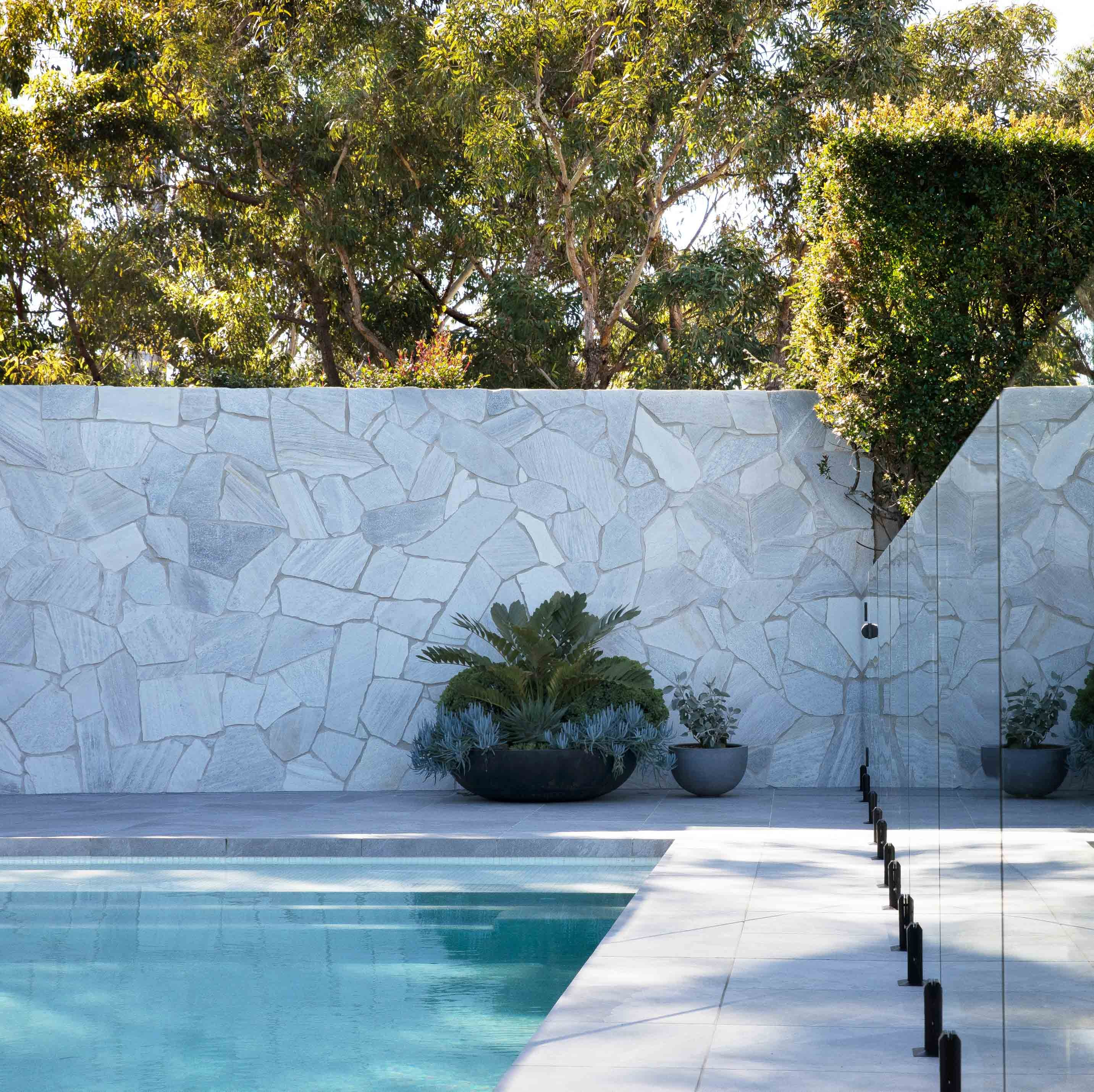 Wall-Cladding-and-Stacked-Stones Hero Lavato