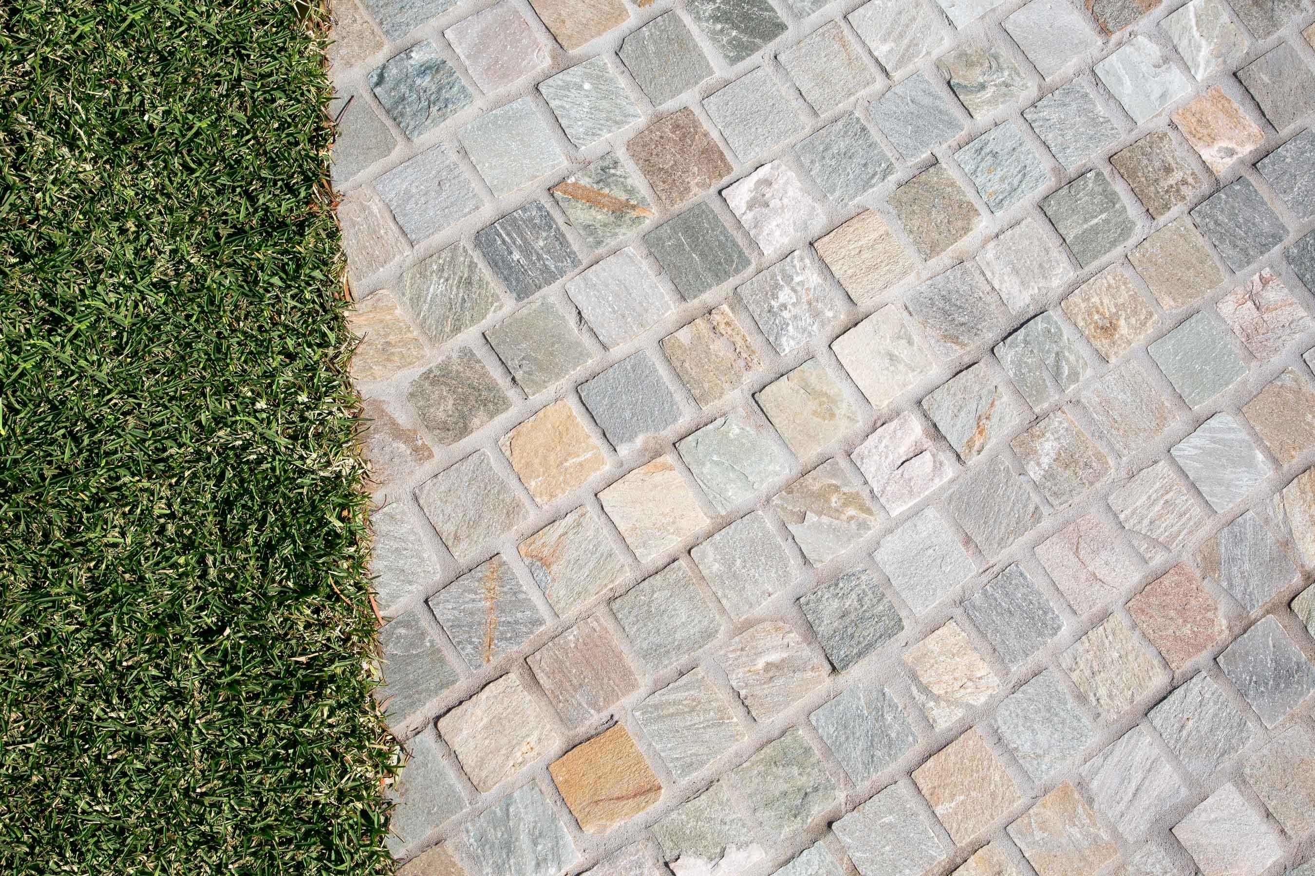 Cobblestones Gallery heritage-quartz-cobblestones-on-mesh-05
