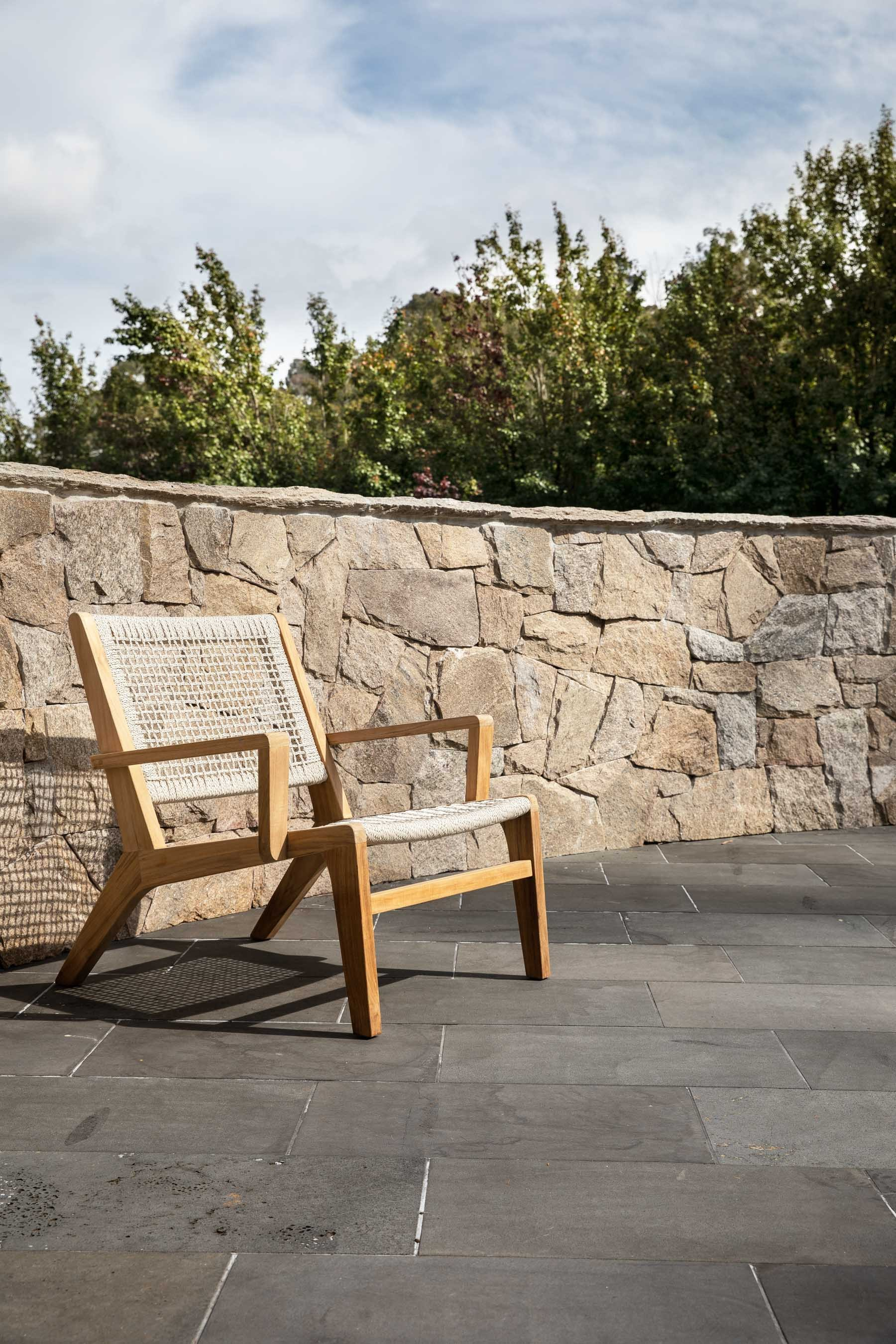 Wall-Cladding-and-Stacked-Stones Gallery chateau-06