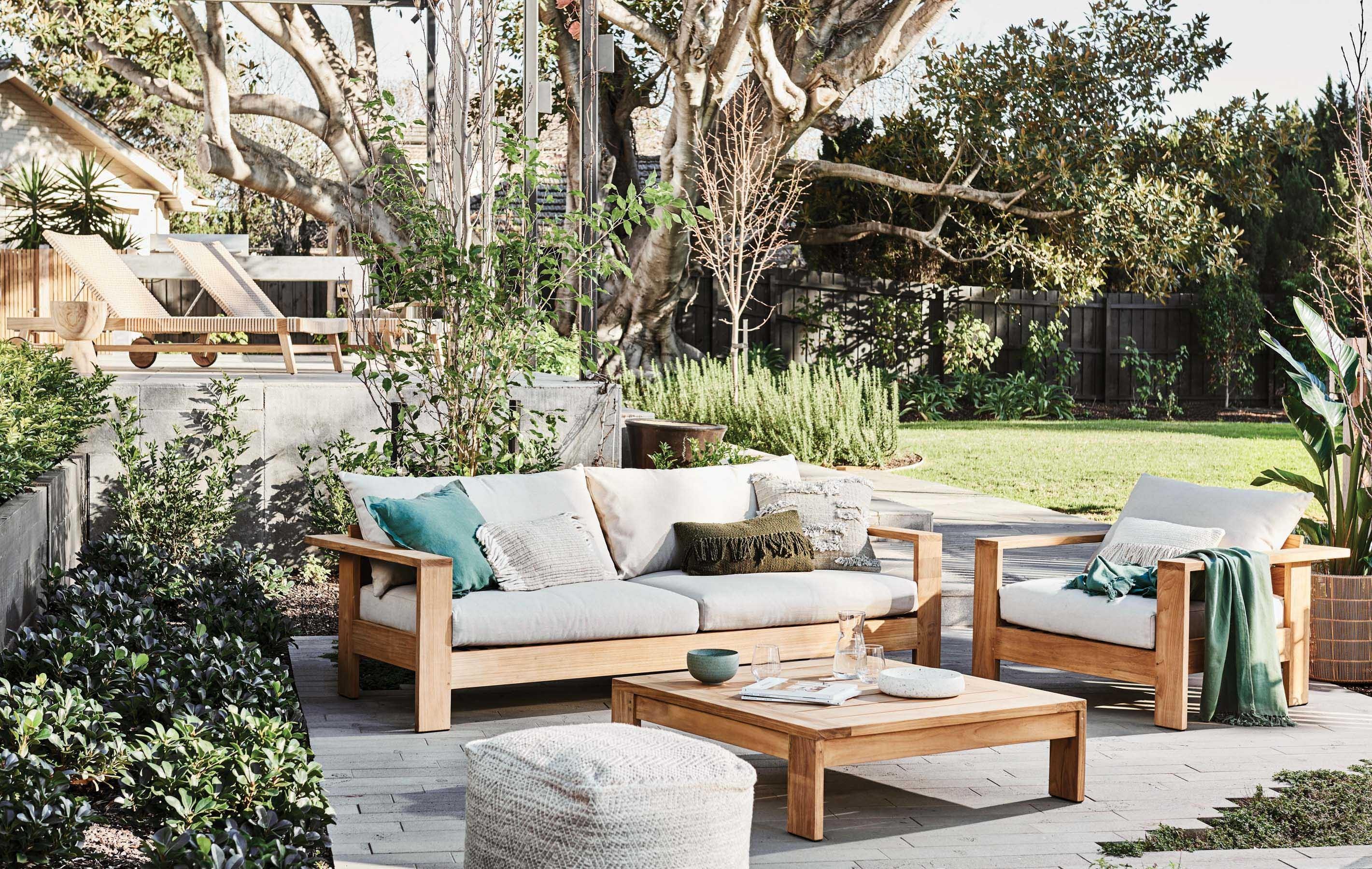 Furniture Gallery Sofas hamptons-three-seater-sofa