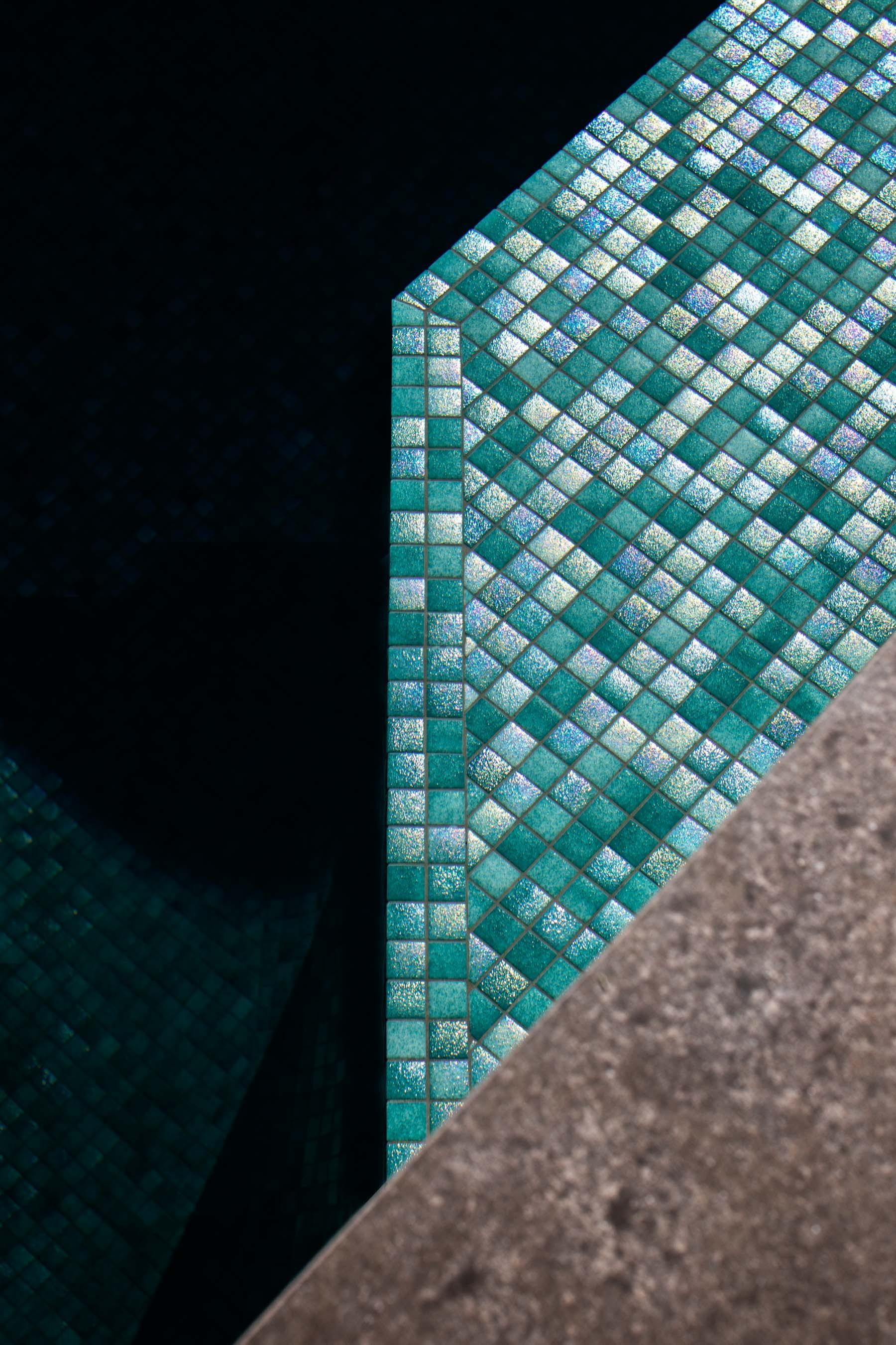 Pool-Tiles Gallery Australian lagoon-01