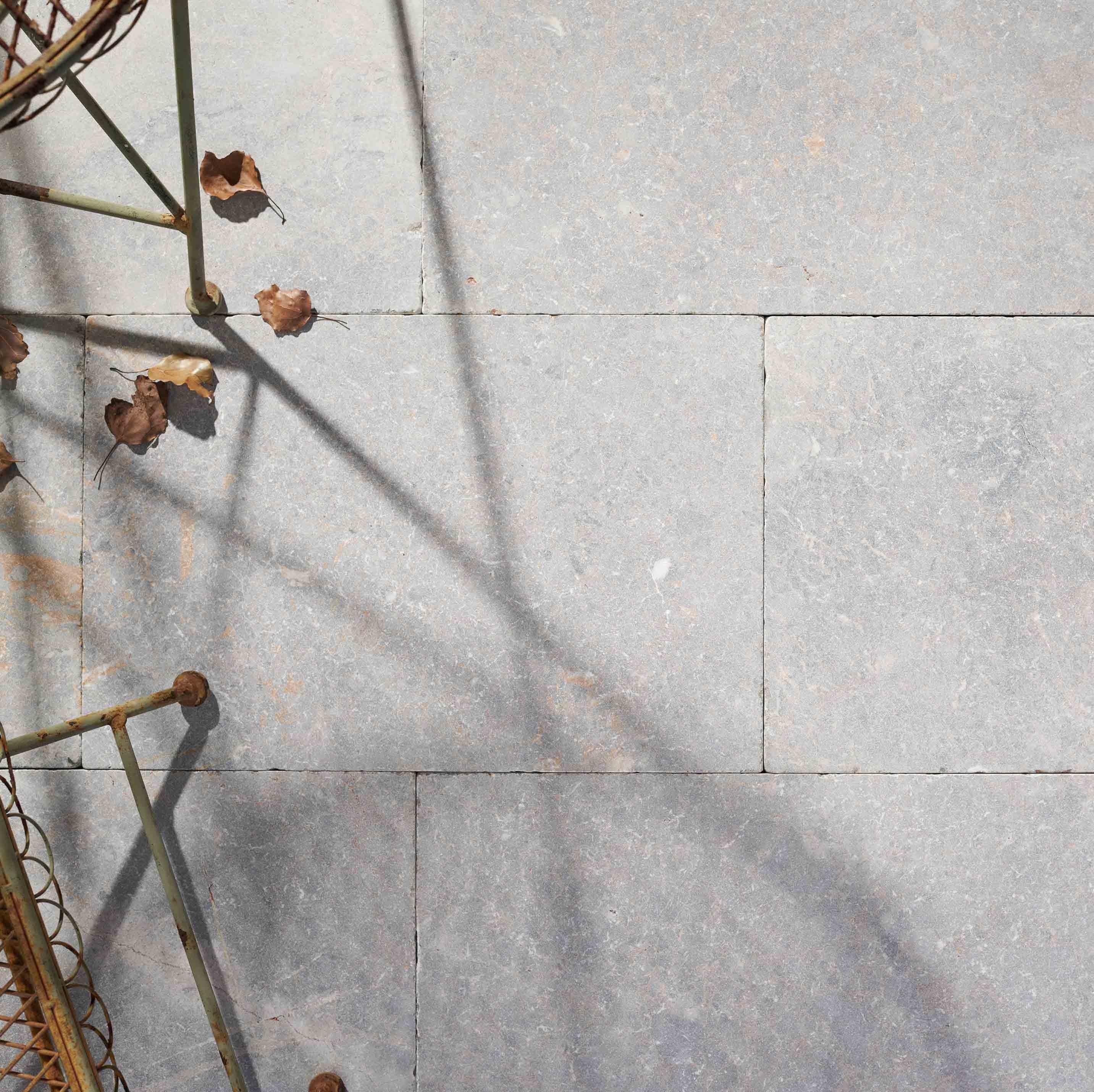 Stone-Pavers-and-Tiles-Outdoor Hero valas
