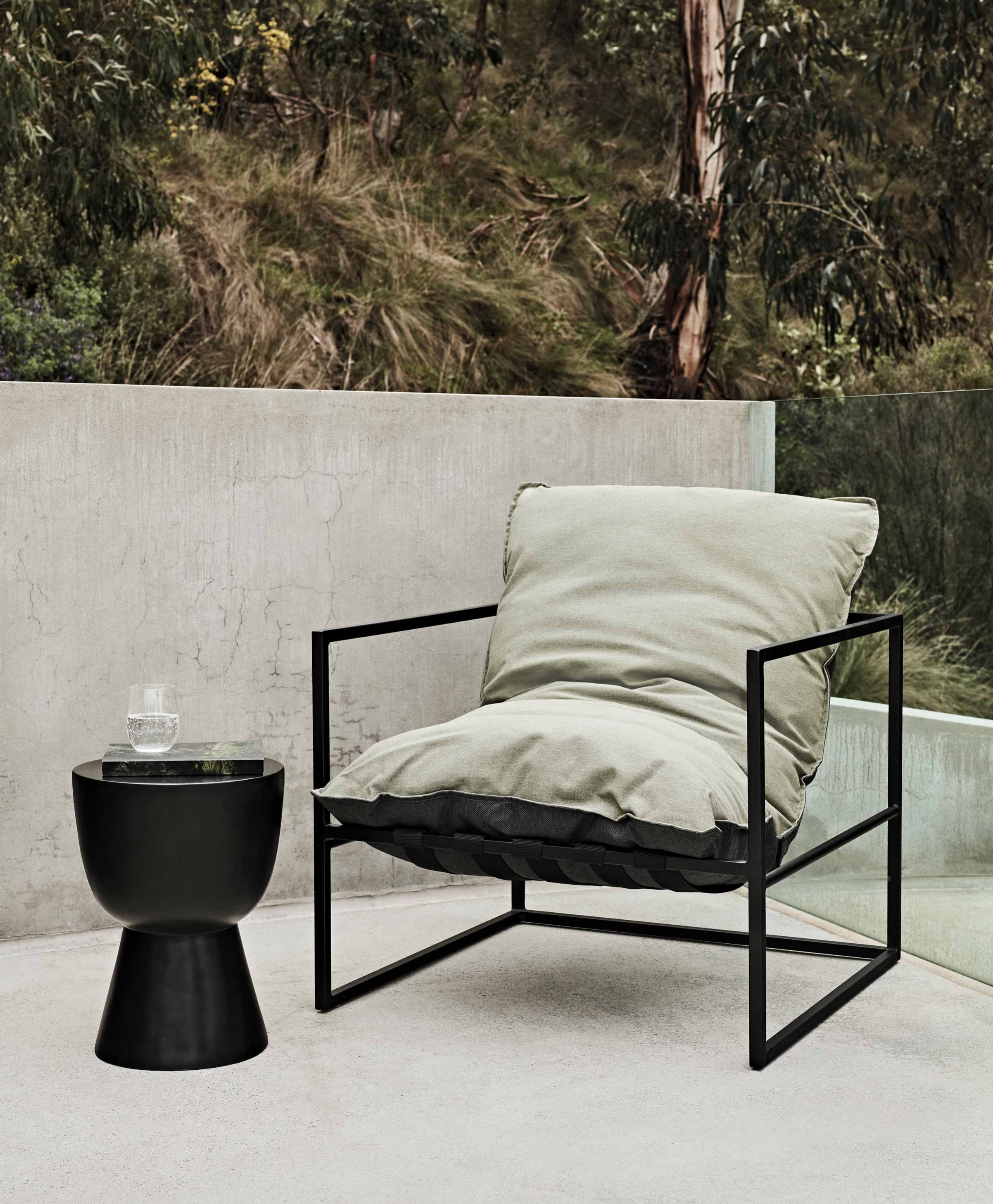 Furniture Hero-Images Occasional-Chairs outdoor-occasional-chairs-content1